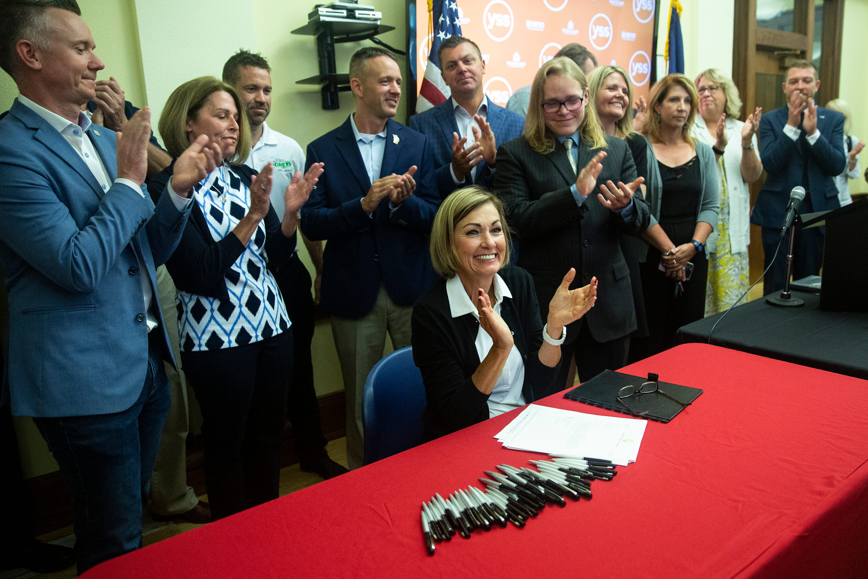 Gov. Reynolds sign sweeping tax cut