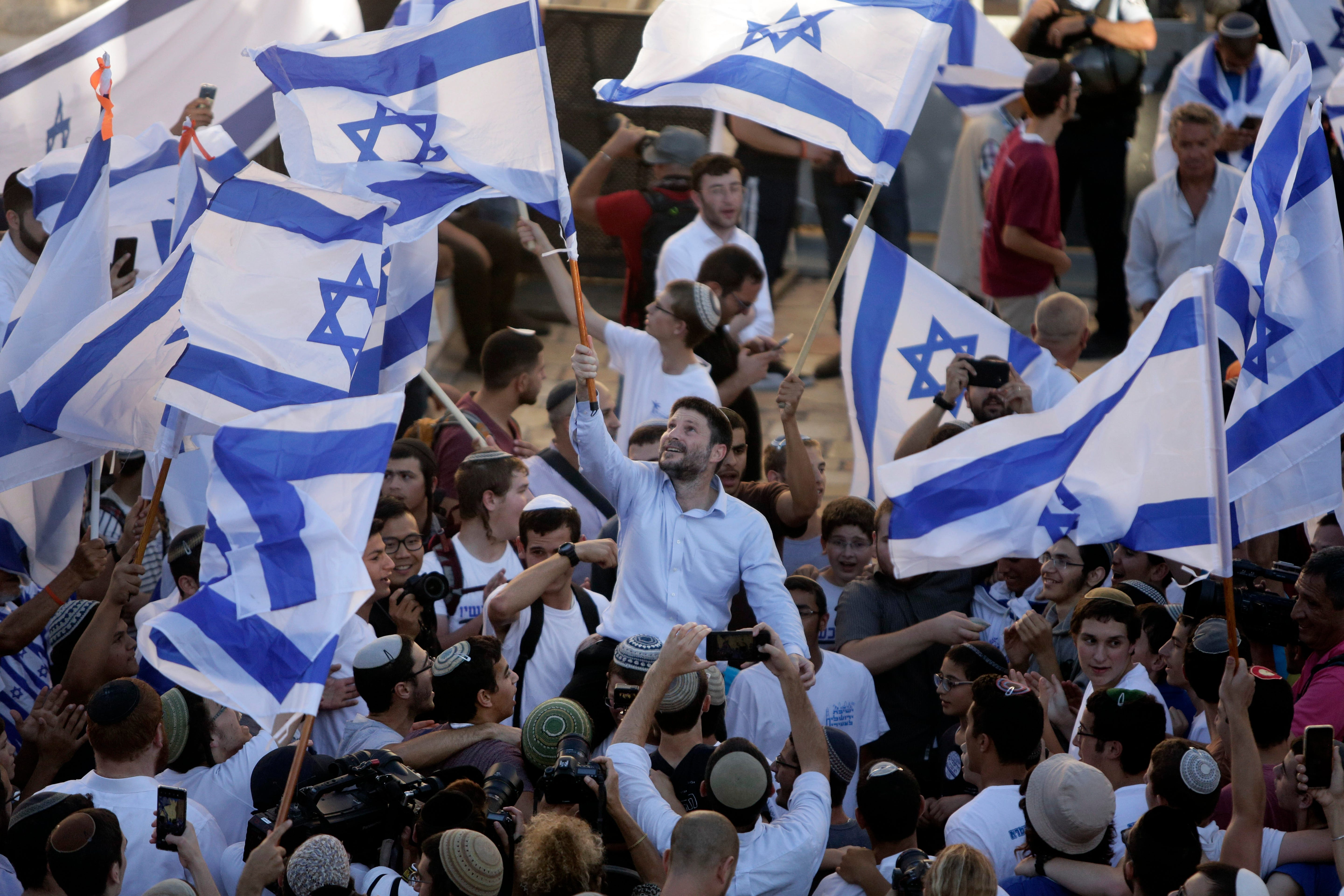 Israelis march in east Jerusalem in test for new government 2