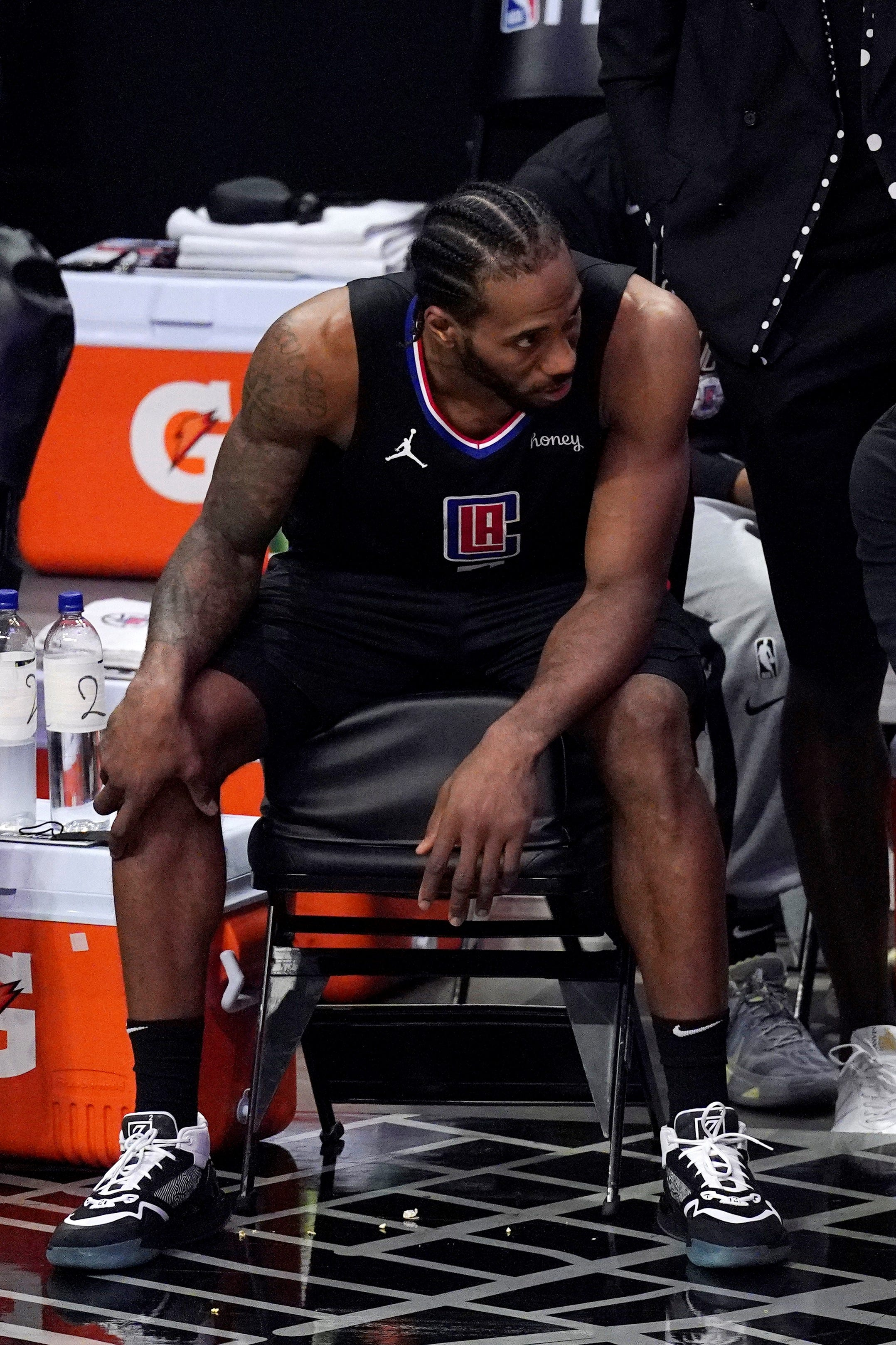 With Clippers' Kawhi Leonard out, injuries continue to play a huge role in postseason