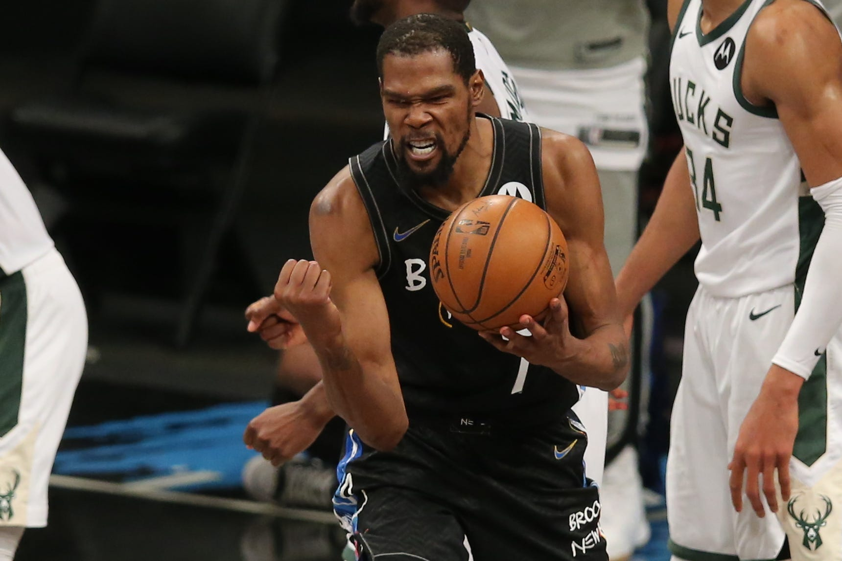 Beautiful to watch : Kevin Durant saves Nets  season with game for the ages against Bucks