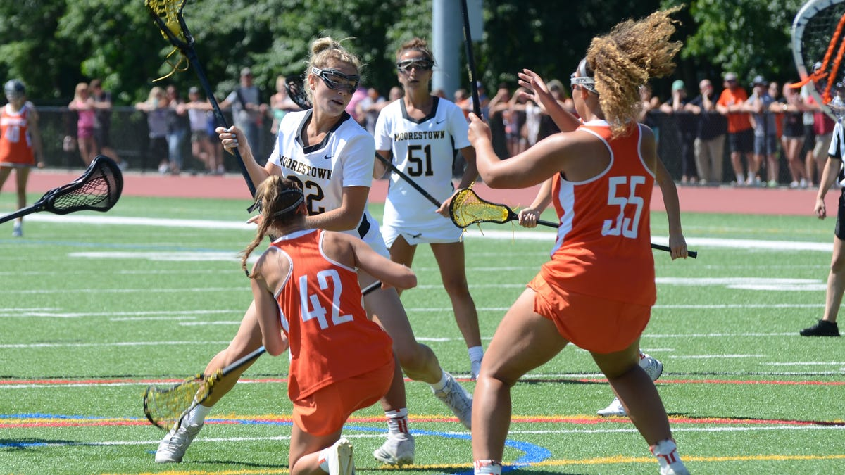 Moorestown gets into the zone against Cherokee