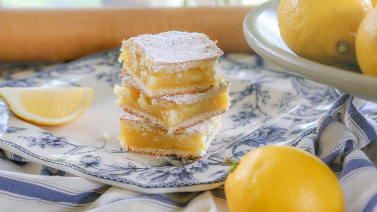 Make the best ever lemon squares at home