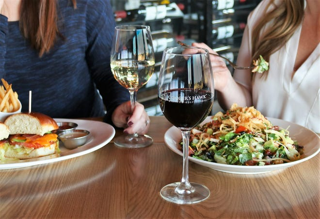 Cooper's Hawk Winery & Restaurants, an Illinois-based concept featuring a restaurant, tasting room and retail, will open its first Sarasota area location at Fruitville Commons.