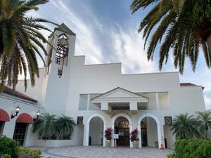 The Venice City Council will decide Tuesday whether to grant vested rights to the owners of the Freedom Boat Club to develop multifamily homes on one-third of an acre it owns on Laguna Drive.