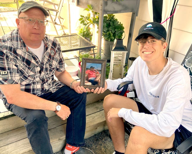 Scott and Grayson Swihart recently reflected about Stewart Swihart II, their father and grandfather, respectively. This will be theirfirst Father's Day without him.