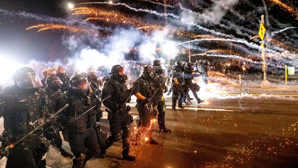 Officers resign from Portland protest response unit 3