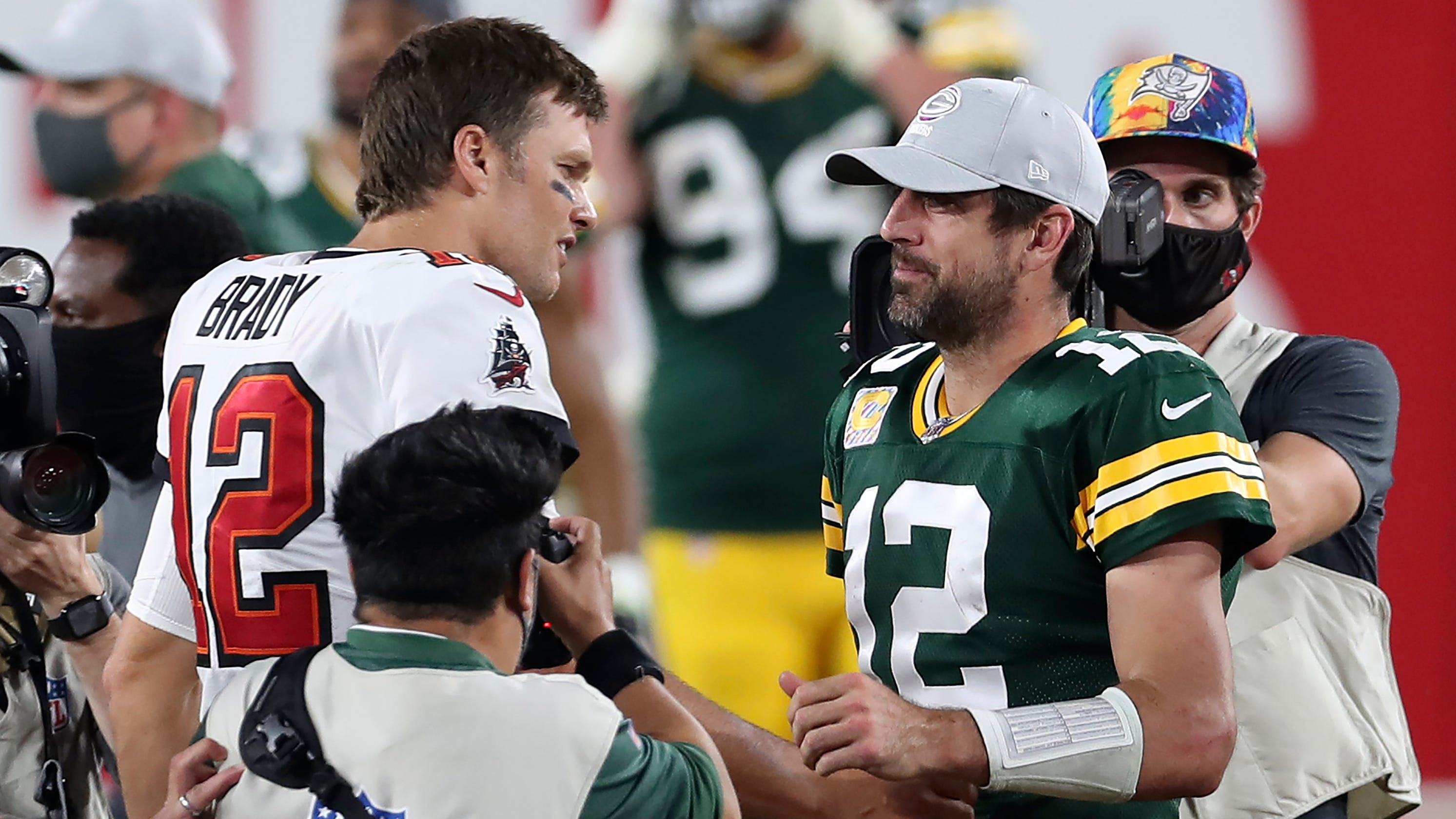 Tom Brady weighs in on Aaron Rodgers' dispute with Packers: 'I respect Aaron a lot'