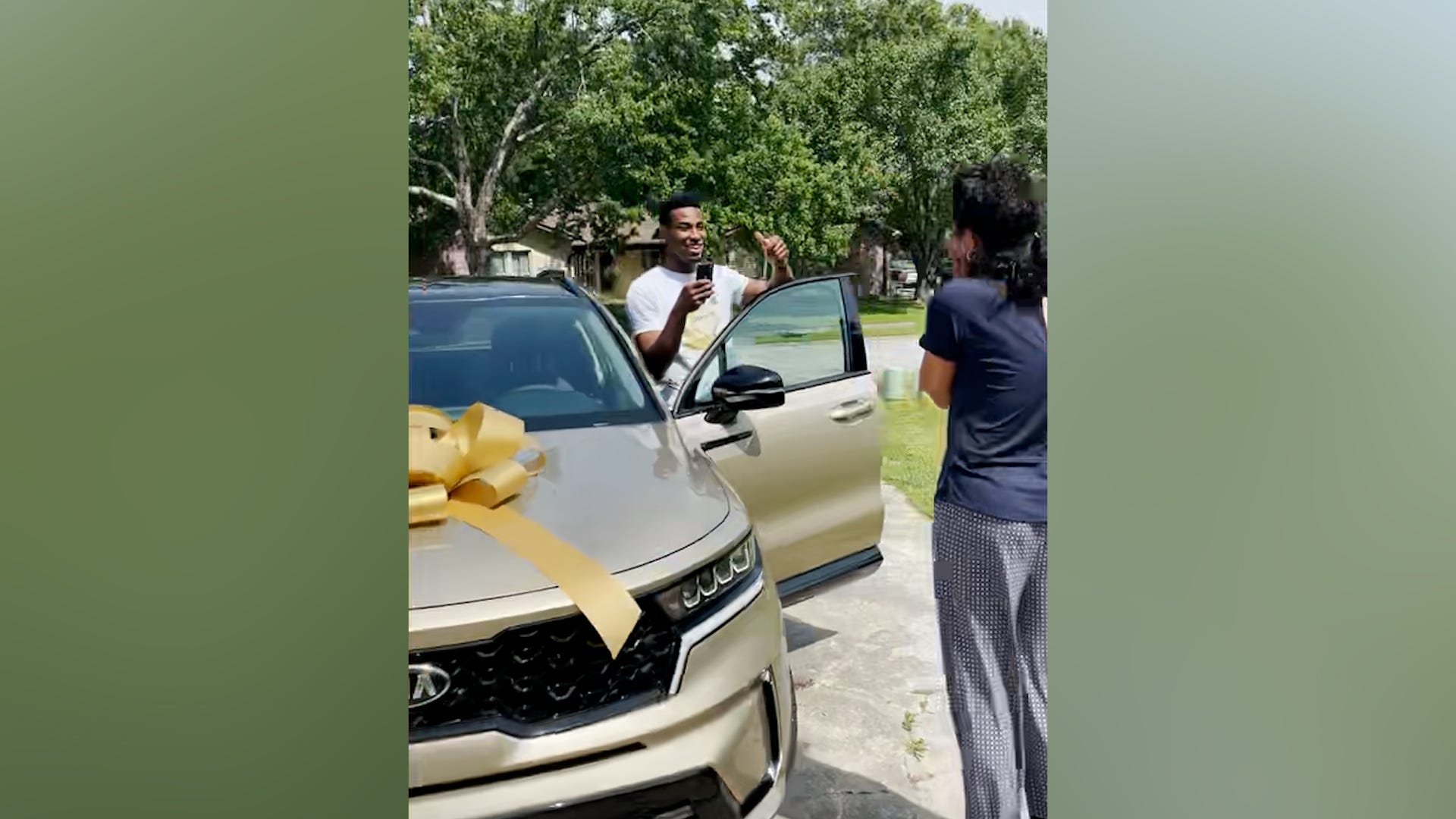 NBA rookie surprises mom with new car