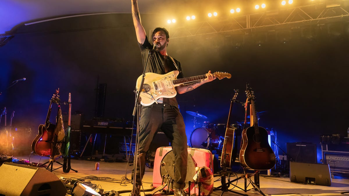 Shakey Graves revels in the return to live music on first of two nights at Stubb's