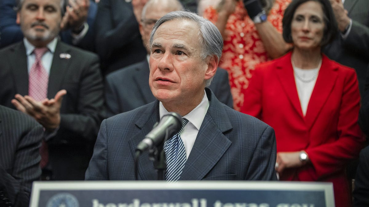 Editorial: That border wall plan isn't for Texas. It's for Gov. Greg Abbott.