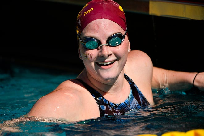 Former Denison standout Lindsay Looney had a fourth-place finish in the 200 meter butterfly at the U.S. Olympic Swim Trials in Omaha, Neb.