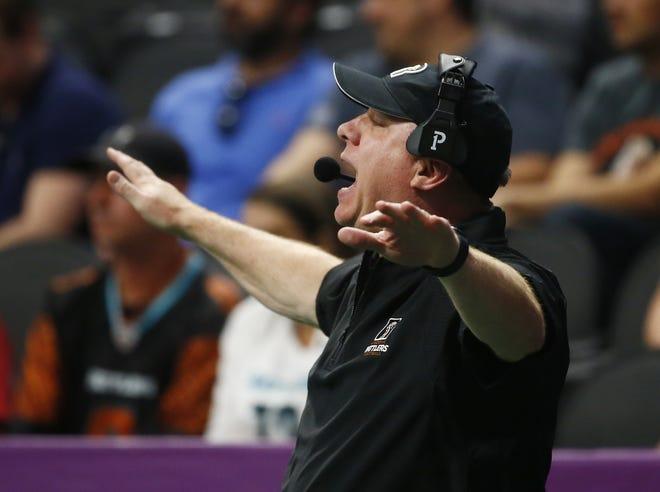 June 12, 2021; Phoenix, Arizona, USA; Rattlers' head coach Kevin Guy calls plays during a game against the Sugar Skulls at the Phoenix Suns Arena. Patrick Breen-Arizona Republic