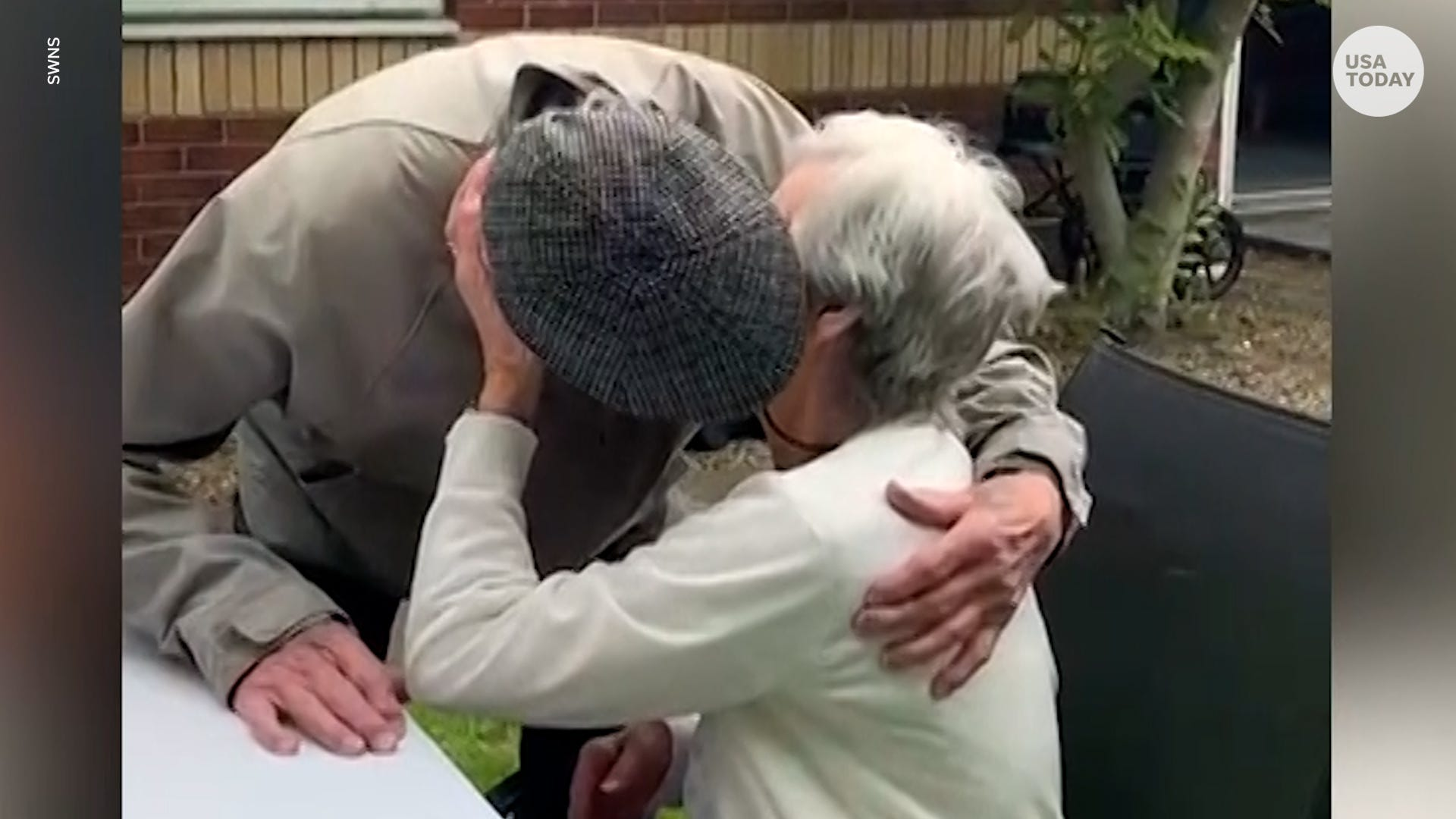 Emotional moment 94-year-old twins see each other for first time in over a year