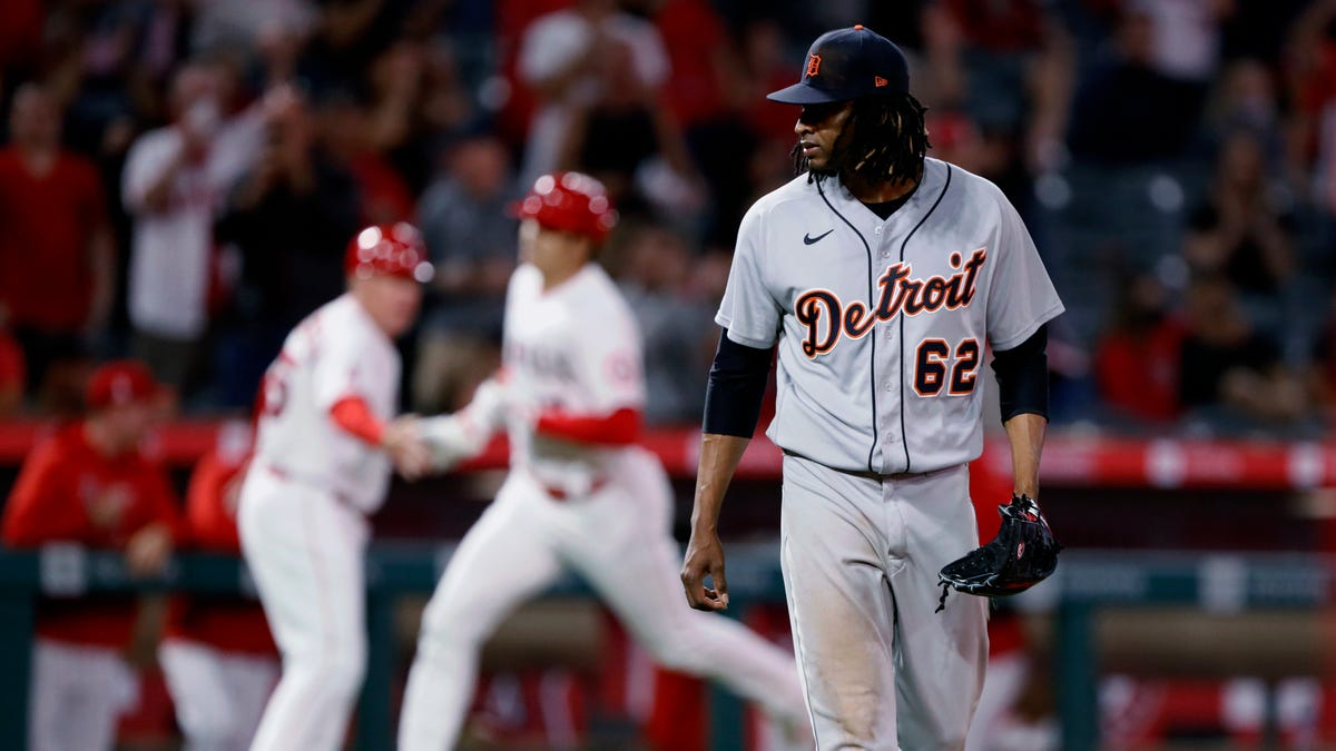 'A frustrating night': Urena buckles in 5th as Angels topple Tigers, 11-3 1