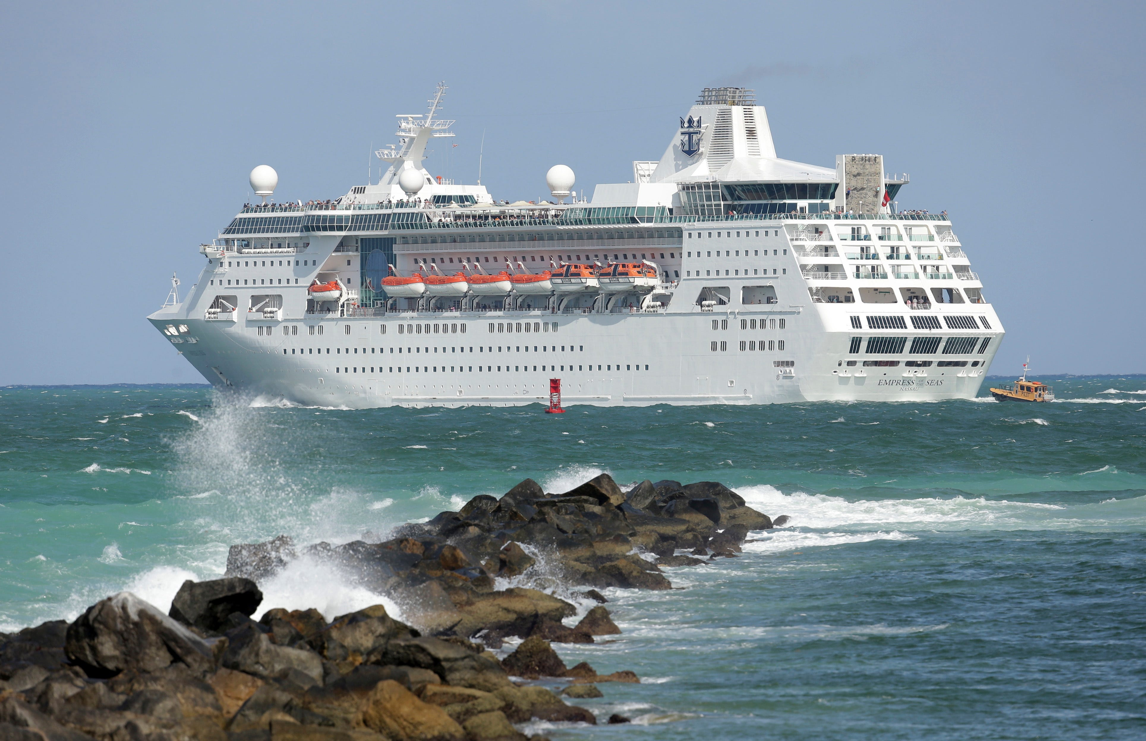 Judge rules for Florida on CDC order blocking cruise ships 2