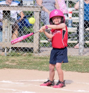 Midwest Autoworks and Monteer Plants &Basketball squared off Saturday at Lions park in Babe Ruth 6U softball. Midwest Autoworks defeated Monteer Plants &Baskets 6-1.