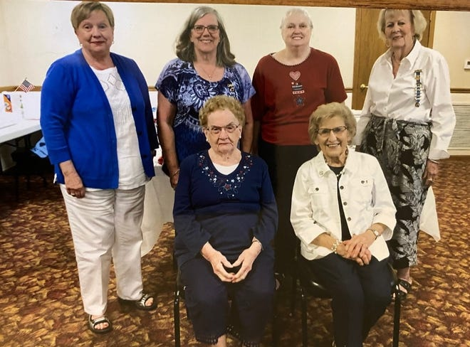 Several members of the Abraham Lincoln Chapter, NSDAR were honored for their membership in the organization. Members that participated in the group for the past years were recognized at the June meeting. Over 22 members have supported the DAR programs for the past 25 years. In front from left are: Carol Schwantz and Mary Lou Klokkenga. Standing from left: Kay Martin, Marge Aper, Diane Osborn and Pat Glenn.