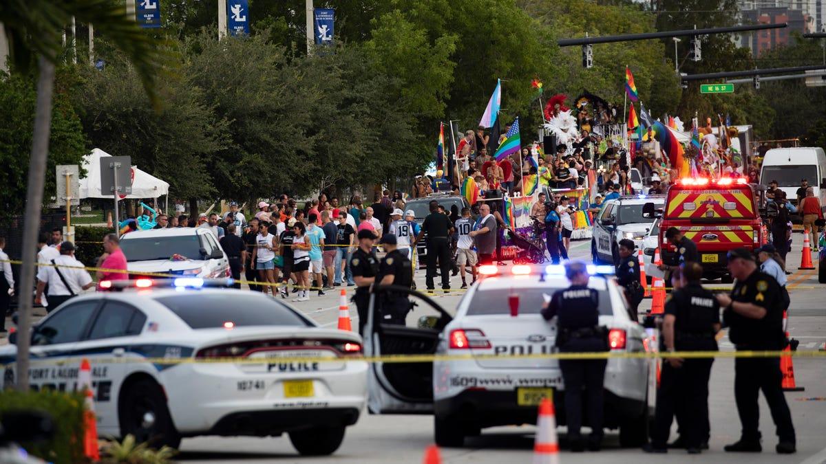 Driver crashes into crowd at Pride parade in Florida; 1 dead 3
