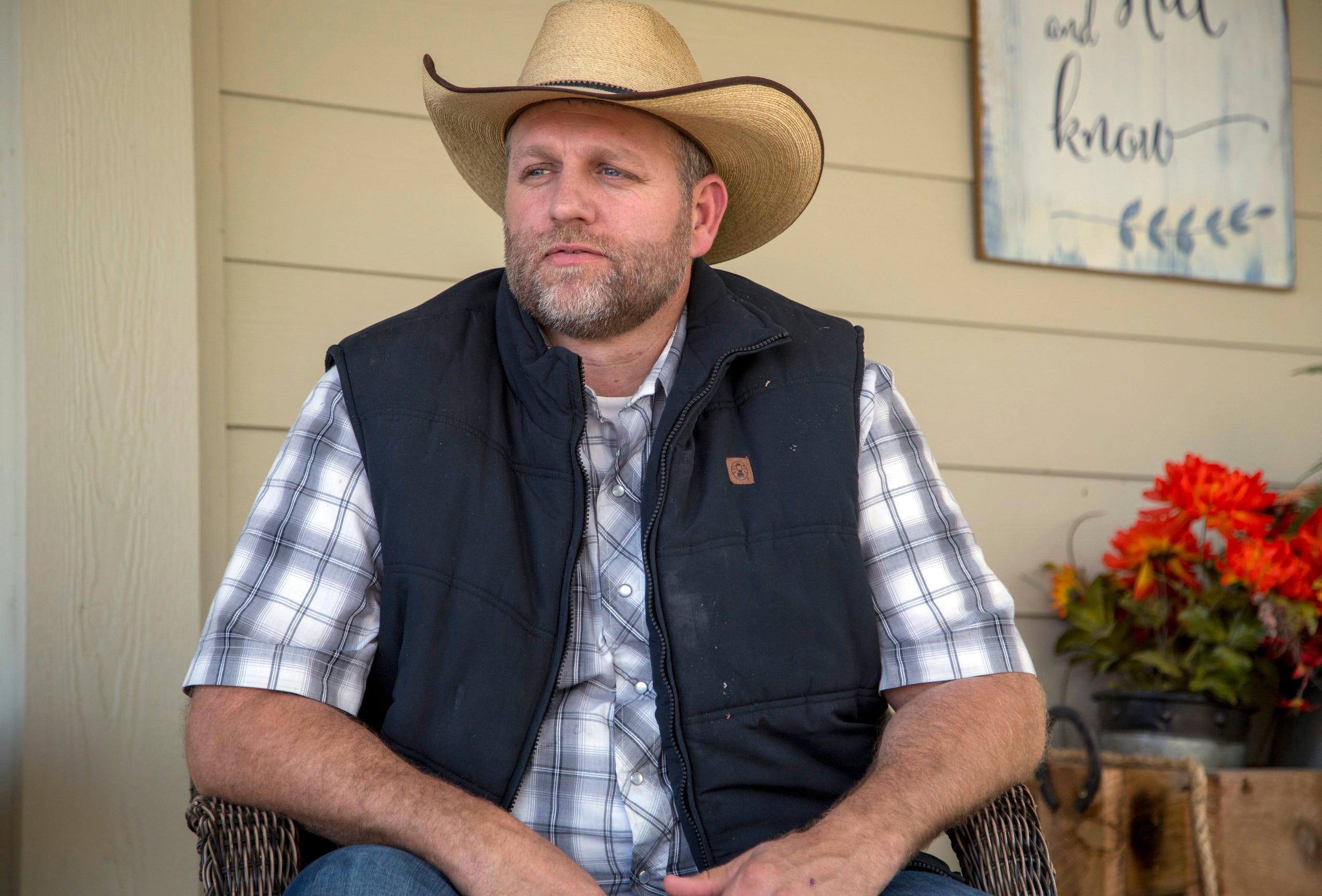 Anti-government activist Bundy running for governor of Idaho 2