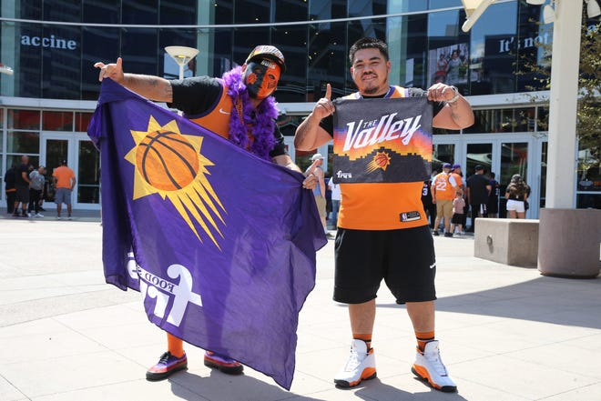 How confident should Phoenix Suns fans be in their team's chances to win an NBA title? Some sites have very different opinions.
