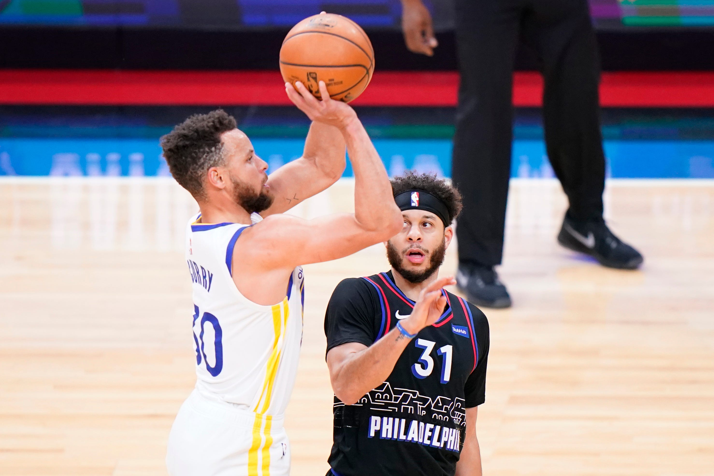 Sixers' Seth Curry shooting his way out of the shadow of brother Steph