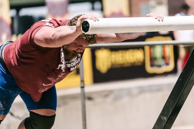 Tom Stoltman competes in the Titan's Turntable at SBD World's Strongest Man 2021.