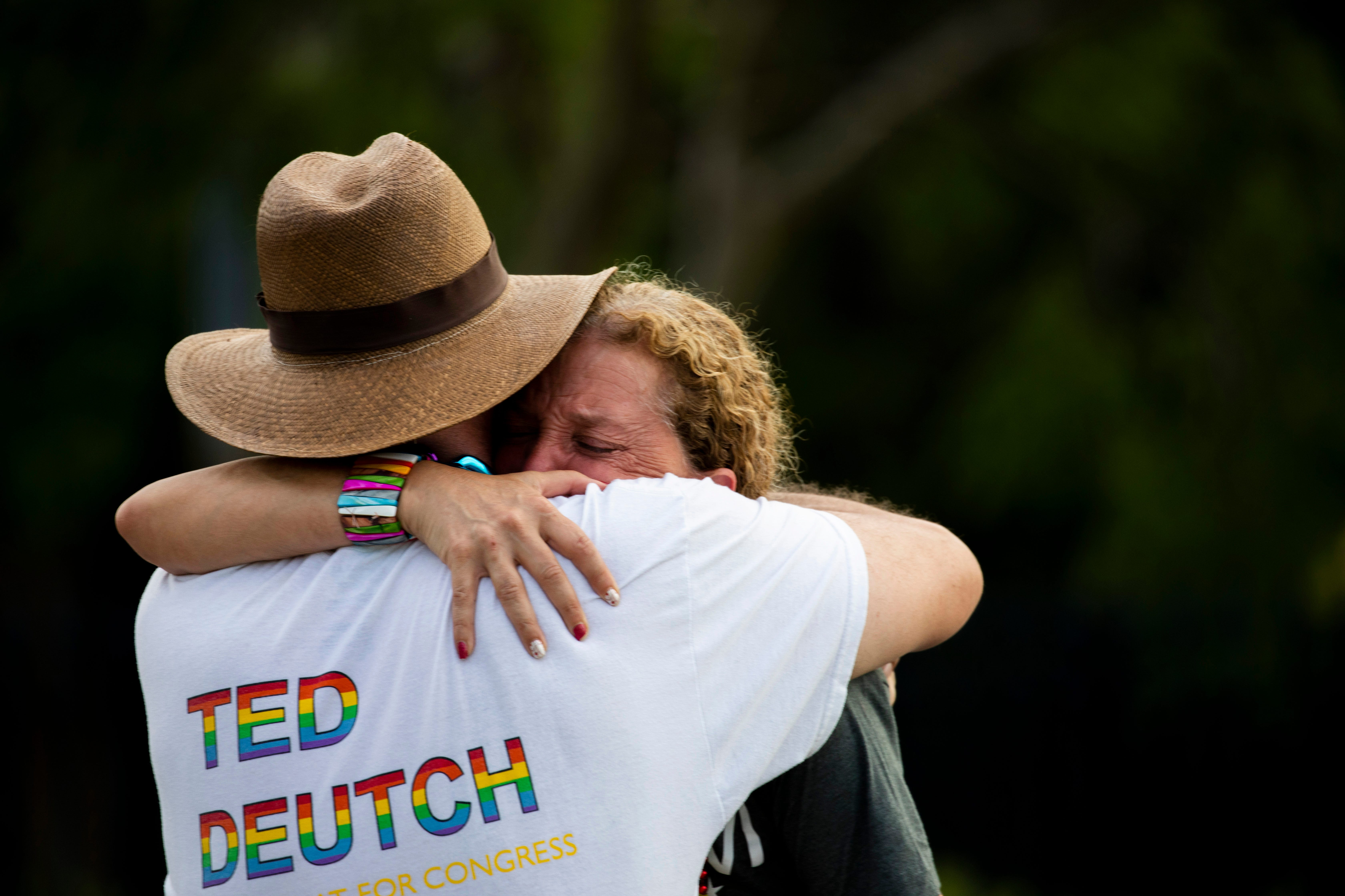 1 dead, 1 seriously hurt after driver crashes into crowd at Pride parade in Florida