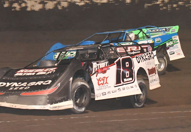 Making a late race charge to the front, Shannon Babb (18) took the lead from Tanner English (81) and pulled away for his Summer National victory Saturday at Fairbury Speedway. It was his 99th Summer National triumph.