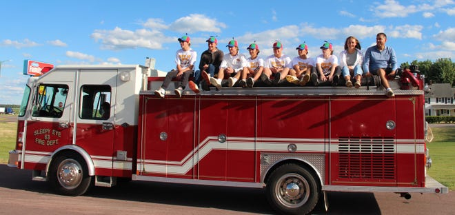The Sleepy Eye United golfers who played in the Class A State Tournament last week got a traditional celebratory fire truck ride through town Monday evening.