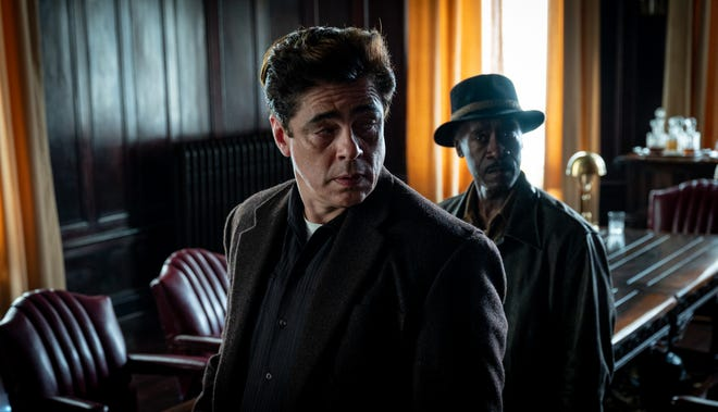 """Benicio Del Toro, left, and Don Cheadle are in deep after a robbery goes wrong in """"No Sudden Move,"""" directed by Steven Soderbergh."""