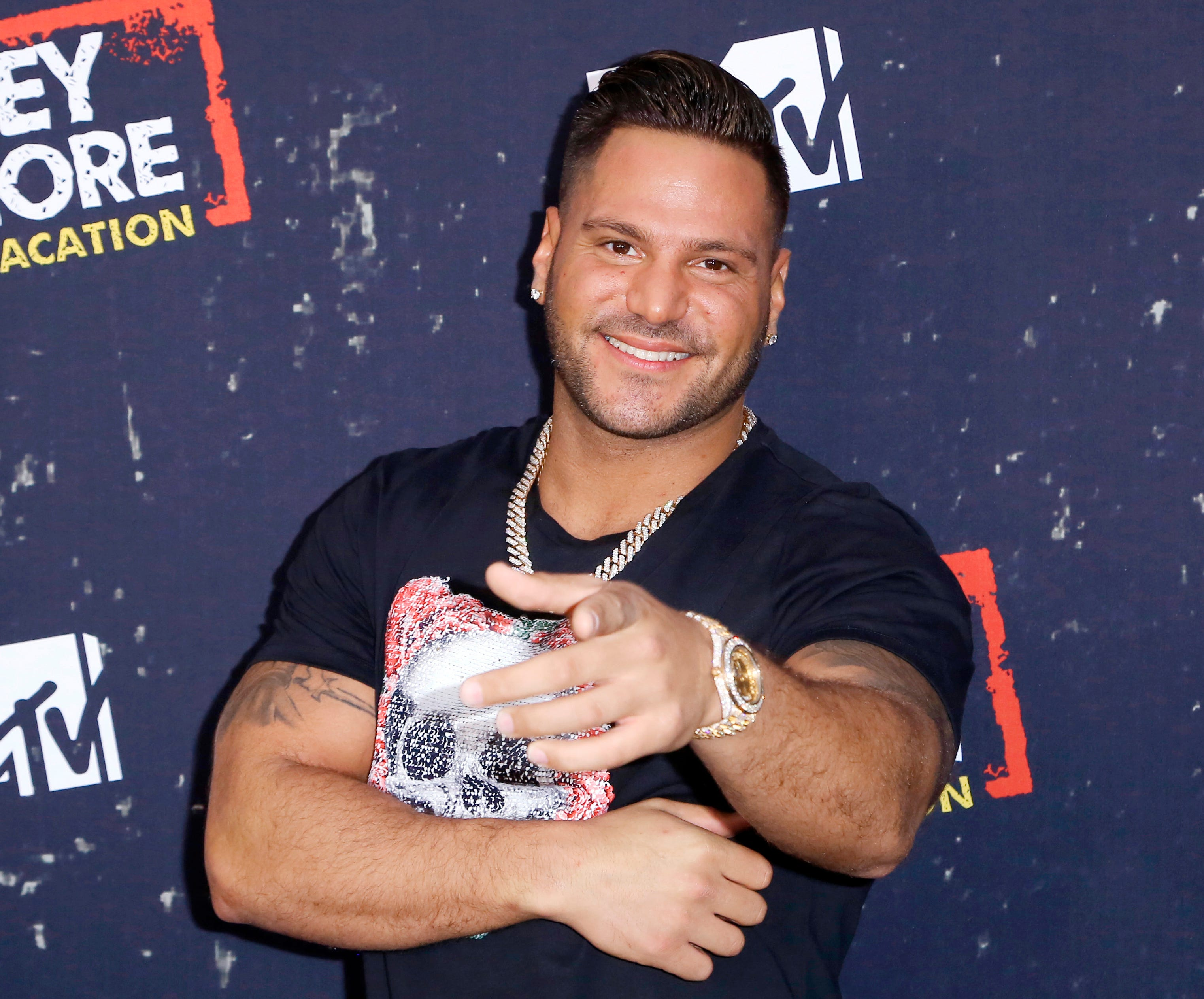 Jersey Shore: Ronnie Ortiz-Magro engaged, cast silent