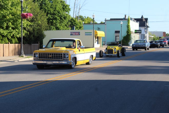 There was the largest number of participants in over 10 years in the cruise down Main Street as part of the Cheboygan Junior Chiefs Car Show and Cruise Night. The vehicles started at the Knights of Columbus Hall, just south of Cheboygan, and drove to Yeck's Drive In.