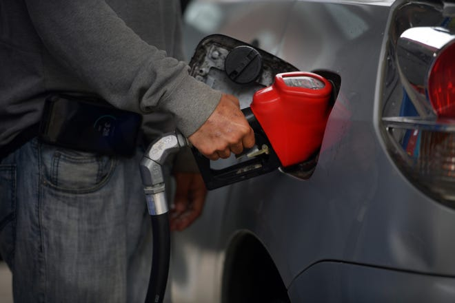 The average gas price in Worcester rose to $2.95 per gallon last week.