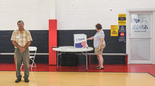 Lettie Porter votes for a mayor at the Belton Recreation Center Tuesday, June 22, 2021.