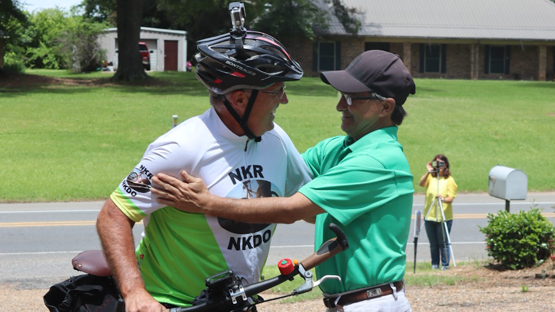 Cyclist donates kidney to complete stranger