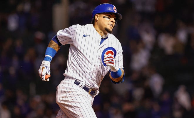 Javier Baez lost track of outs while running the bases in the Cubs' loss to Cleveland.