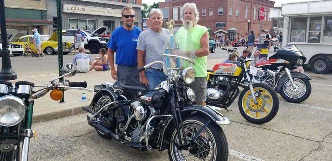 Tom Boyer, center, Yates City, had the Best Classic Bike, Harley Davidson 47FL.