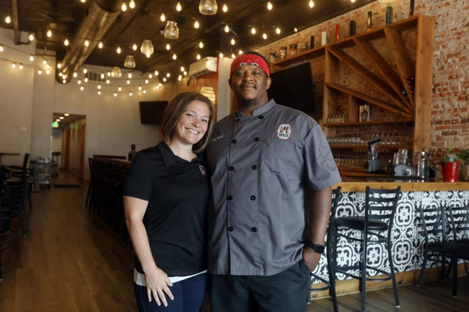 Diana Wells and Earl Carter are shown Tuesday at their restaurant D & E Grille at 626 Main St. in downtown Mediapolis.