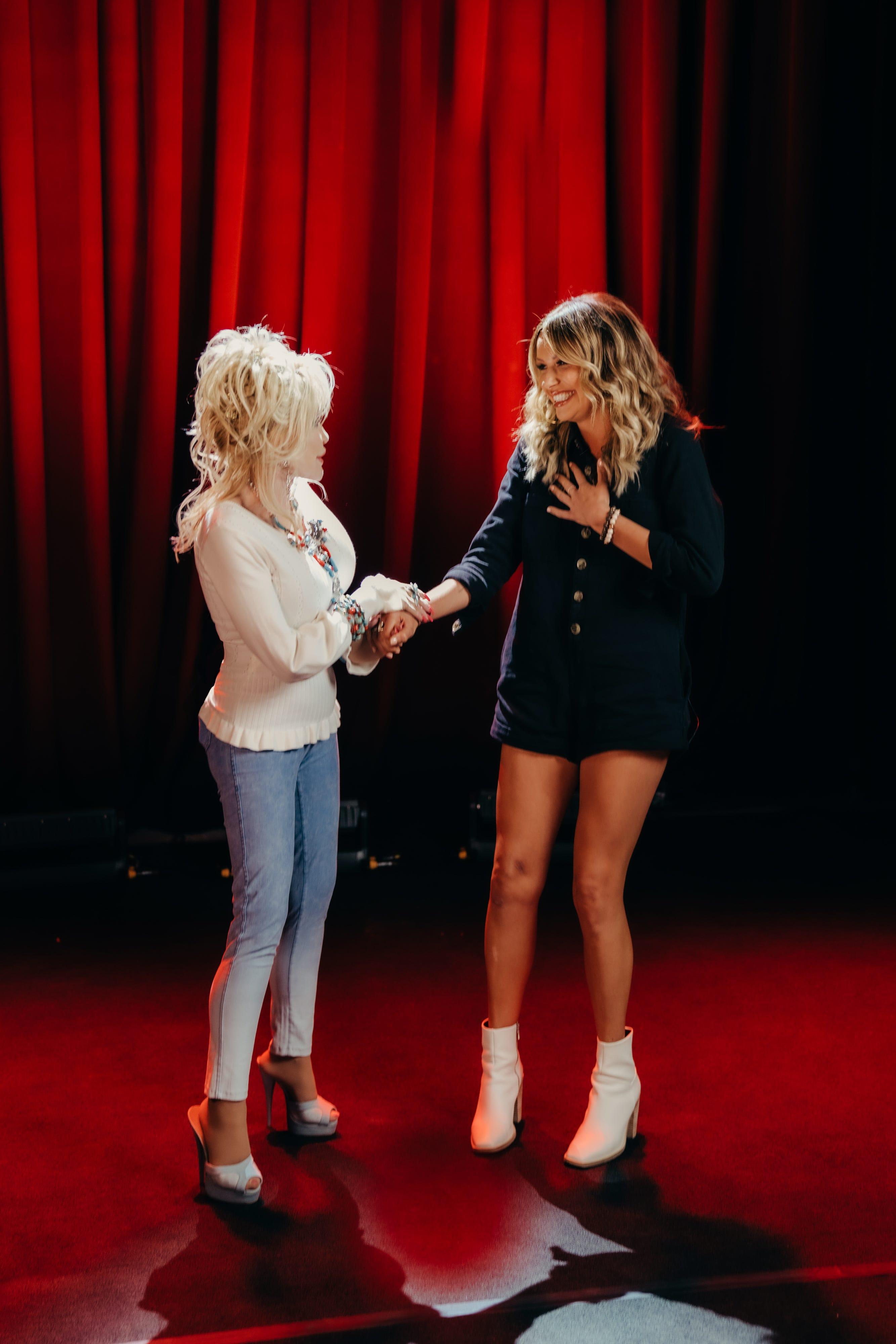Dolly Parton surprises Carly Pearce with Grand Ole Opry invitiation