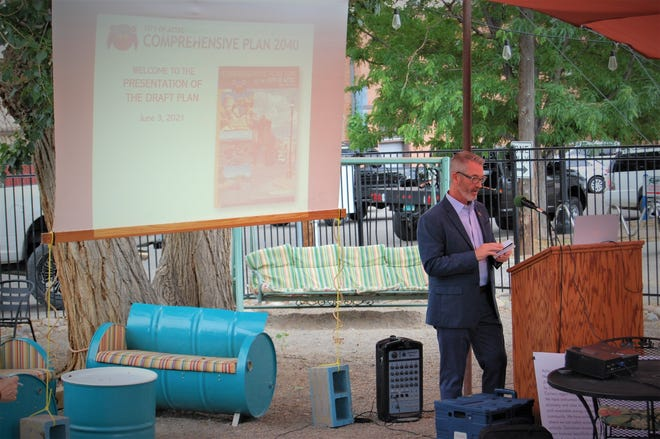 Aztec Mayor Victor Snover speaks about the city's comprehensive plan update during a June 3 public meeting outside the 550 Brewing Taproom. The plan was approved June 22 by the Aztec City Commission.