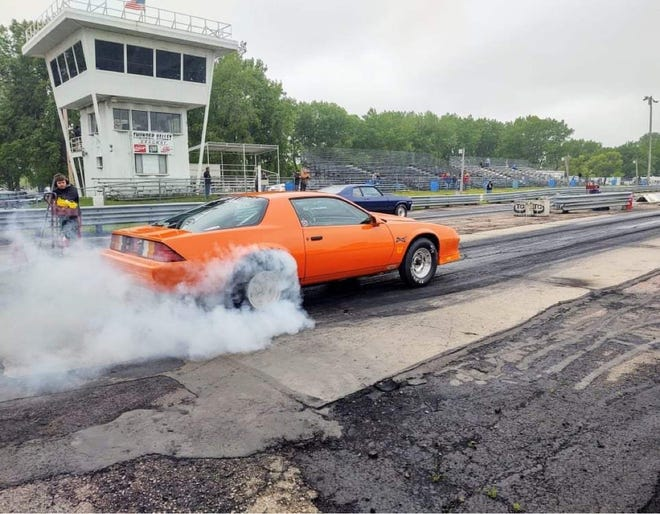 Jake Dearduff smokes his tires at the start of a race at Thunder Valley Dragways in Marion, S.D. on Saturday, June 19, 2021.