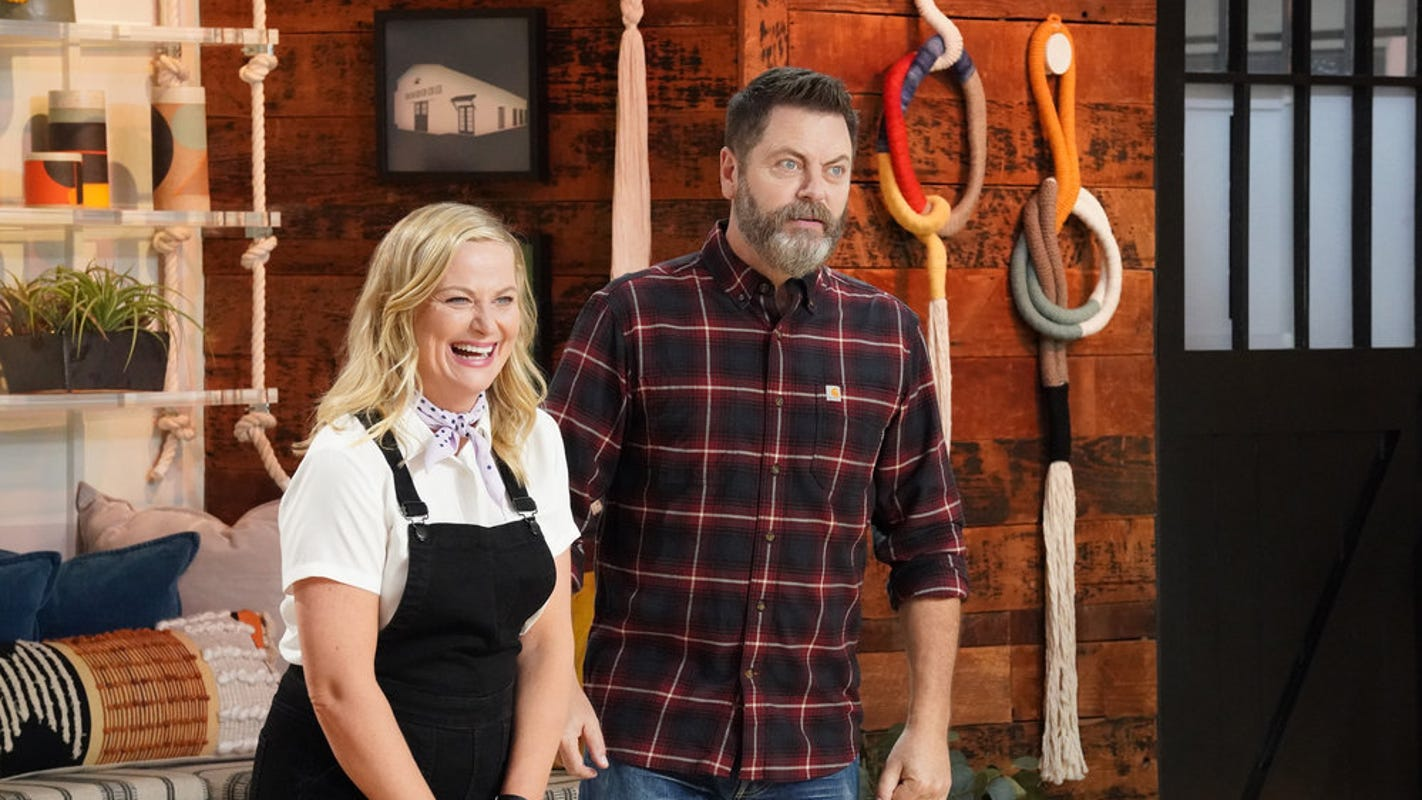 How Amy Poehler and Nick Offerman's 'Making It' 'tricked' NBC: 'Nick and Amy: 1, NBC: 0' - USA TODAY