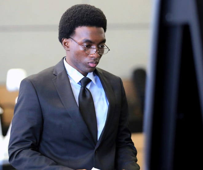 Jabari Kemp leaves court after jurors began deliberating in his trial Wednesday, June 24, 2015. Kemp was released from state prison on June 18, 2021 after serving a five-year sentence and was placed on 10 years probation. (Lannis Waters / The Palm Beach Post)