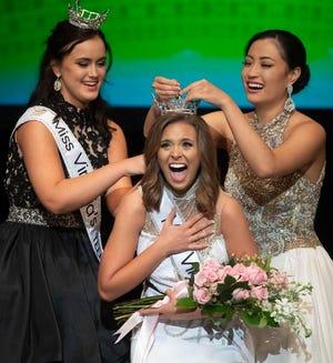 Tatum Sheppard is crowned Miss Virginia on Saturday.