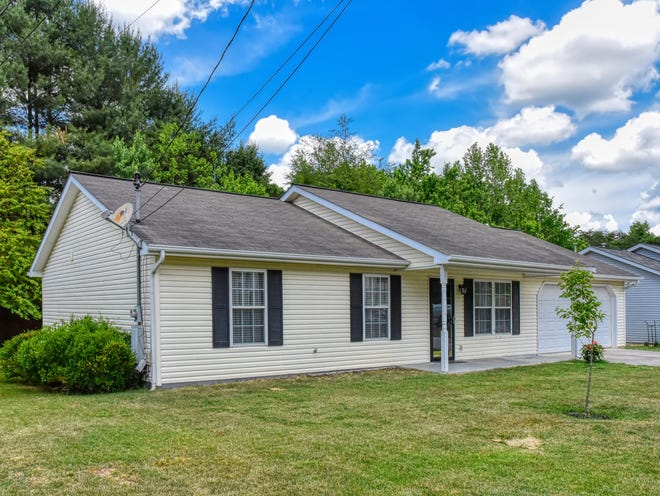 This ranch-style home in Halls was listed earlier in 2021 for $250,000 by Holli McCray Home Marketing Group.