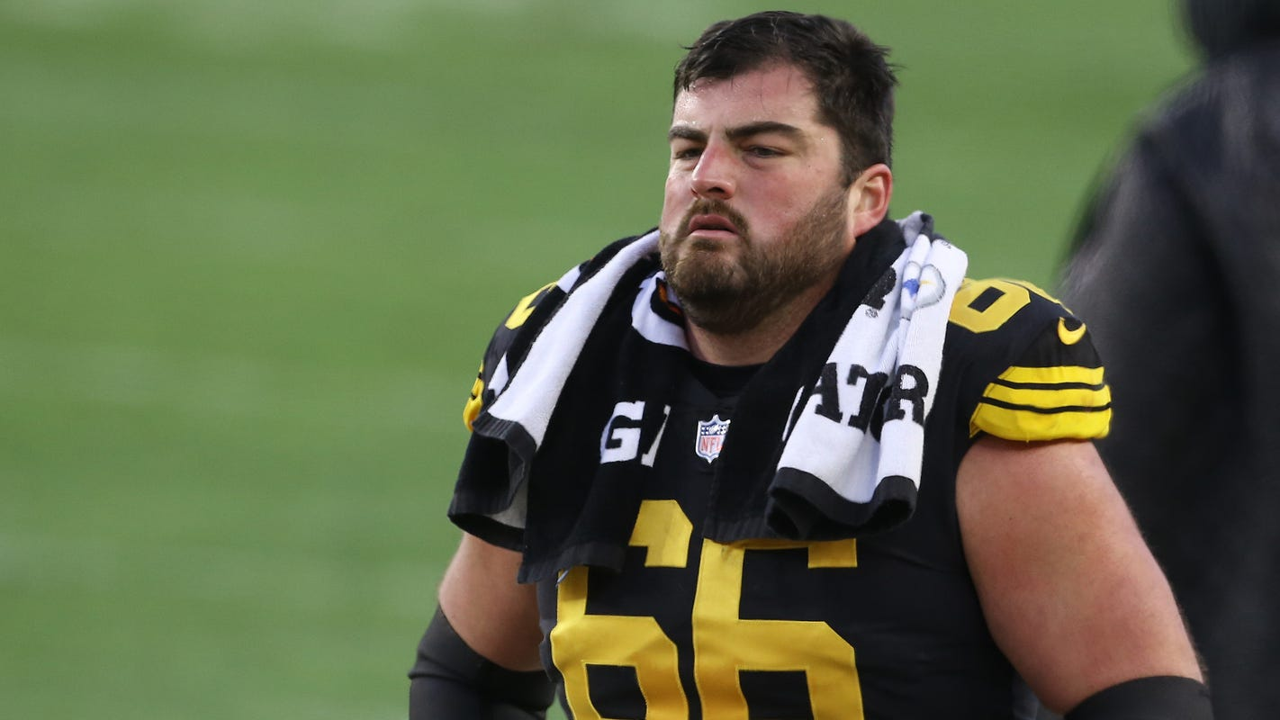 Pittsburgh Steelers release six-time Pro Bowl offensive guard David DeCastro