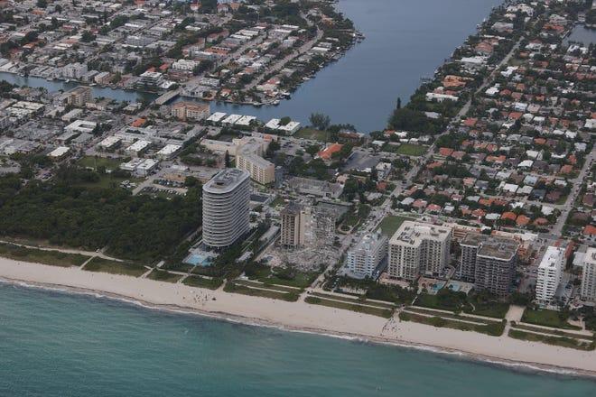 Una sezione della torre condominiale di 1221 piani è crollata al suolo il 24 giugno 2021, quando l'edificio è parzialmente crollato sulla superficie di Flav.