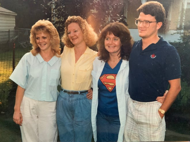 Chuckie Schultz, in 1987, with his siblings Toni, Leslie and Connie.