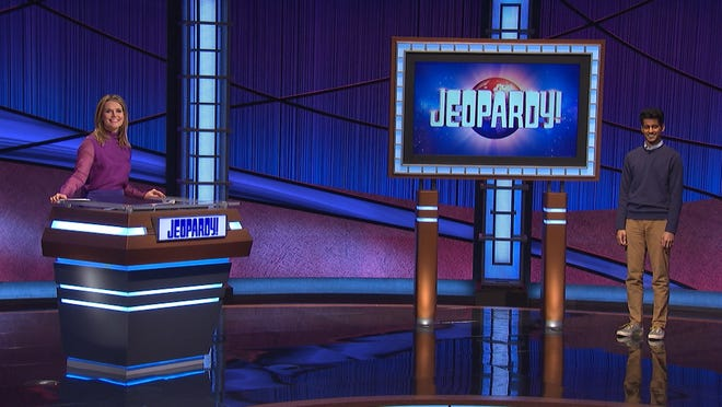 """""""Jeopardy!"""" guest-host Savannah Guthrie with Arman Ramnath, 27, right, an Upper Arlington native who is now a """"Jeopardy!"""" champion."""