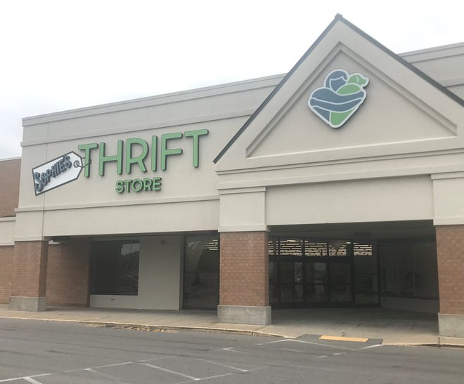Sophie's Thrift Store opens in mid-to-late July at the former Big Lots location in the Southgate Shopping Plaza in Heath.